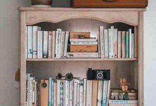 Dlaczego warto kupować książki w internetowym antykwariacie Tezeusz?
